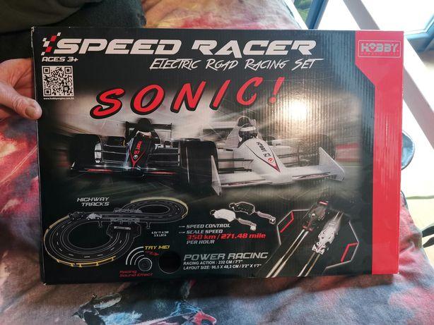 Speed Racer, tor wyścigowy