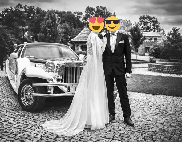 Suknia ślubna zdobiona kamieniami swarovskiego