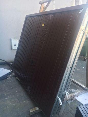 Brama garażowa ocieplana uchylna Wiśniowski 2300x1910 RAL 8017 OD RĘKI