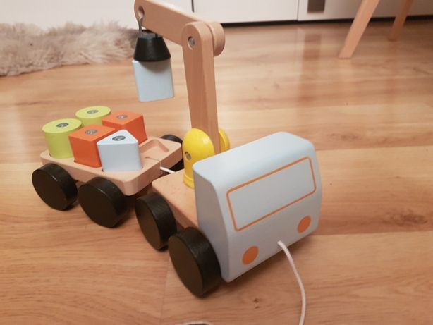 Zabawka dźwig z przyczepą