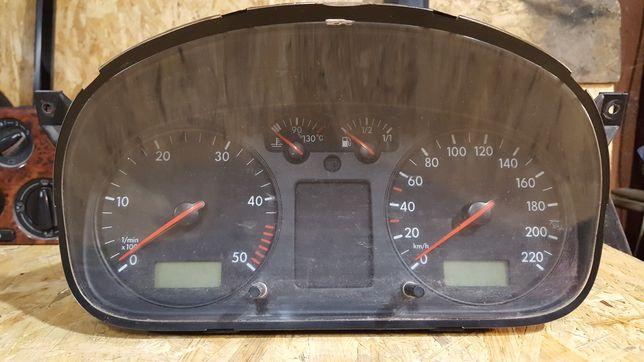 Vw T4 licznik zegary prędkościomierz  2.5 TDI