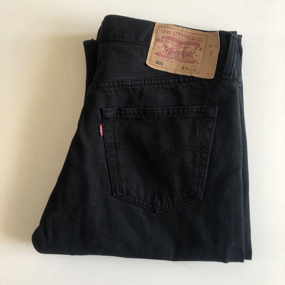 Czarne jeansy Levi's 501