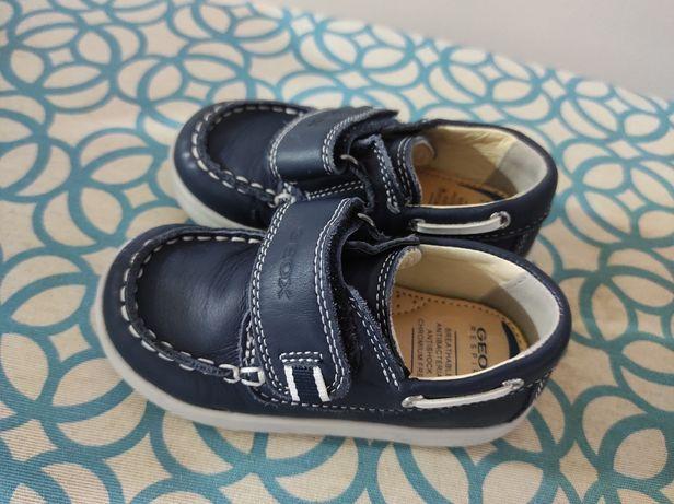 Sapatos de vela Geox TAM24/ sandálias Chicco 23