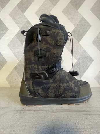 Сноубордичиские ботинки Salomon
