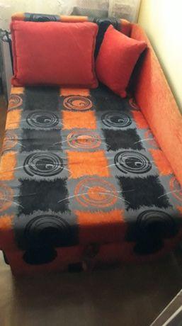 Sprzedam małą sofę