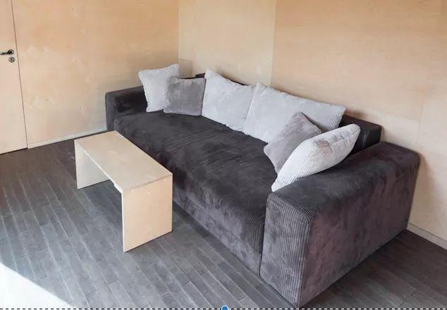 Sofa Black Red White