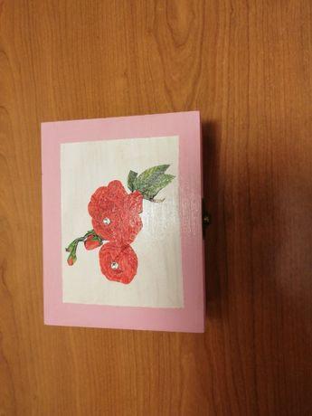 Caixa rosa nova
