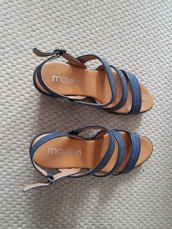 Sandálias azuis de conforto pele novas