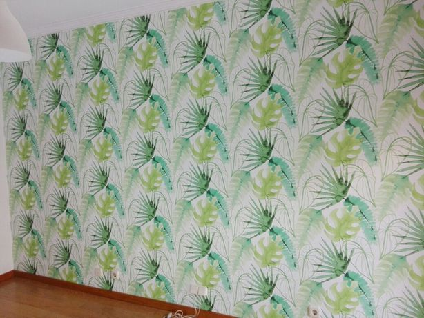 Colocação de papel de parede