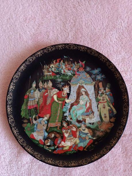 Коллекционная тарелка серии