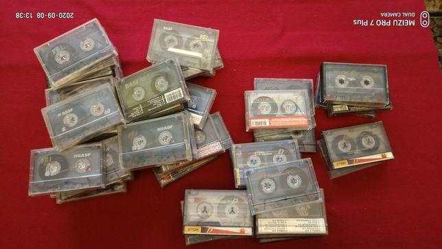 Аудиокассеты Basf и TDK.