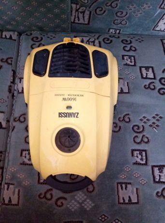 пылесос Zanussi ZAN 2400 под ремонт или на запчасти