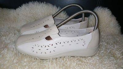 Hotter туфлі мокасіни  шкіра нюанс на фото