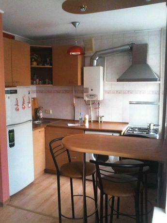 1к.кв.Центр-Порт.2/5 кухня-студия,мебель,холодильник,интернет.