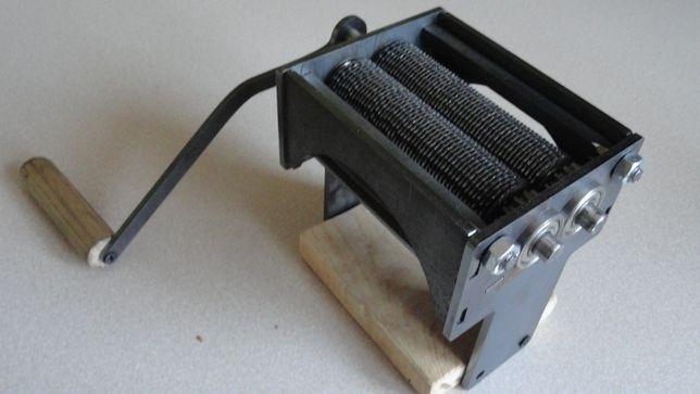 Maszynka do cięcia liści tytoniu i ziół