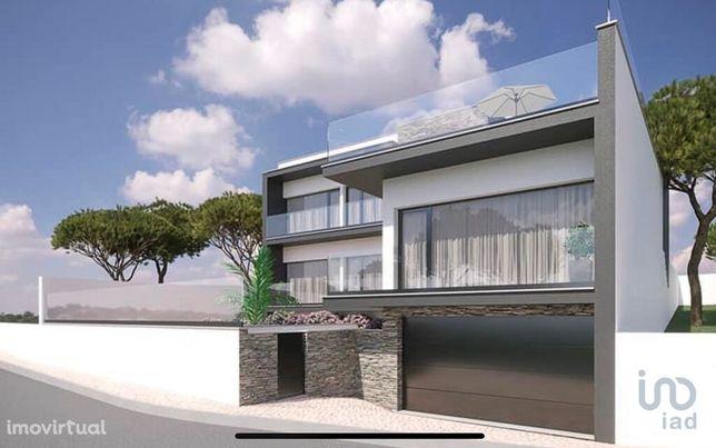 Moradia - 206 m² - T3