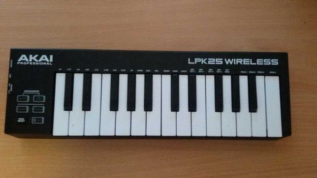 MIDI-клавиатура AKAI LPK-25 Wireless