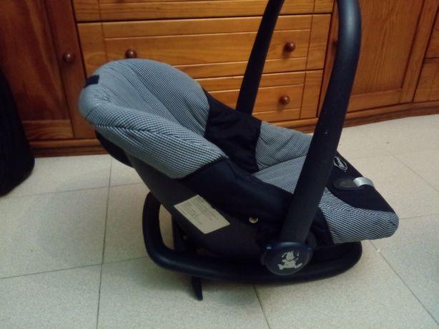 Cadeira para o carro da bebecar