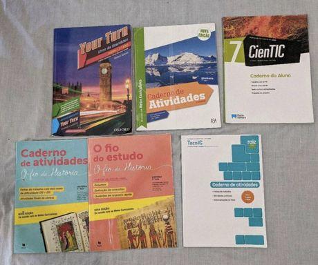 Lote com 5 cadernos atividades novos do 7⁰ ano