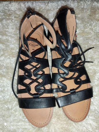Sandálias tiras 40