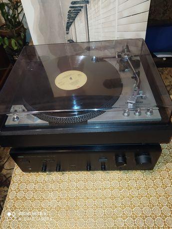 Gramofon Universum F2092