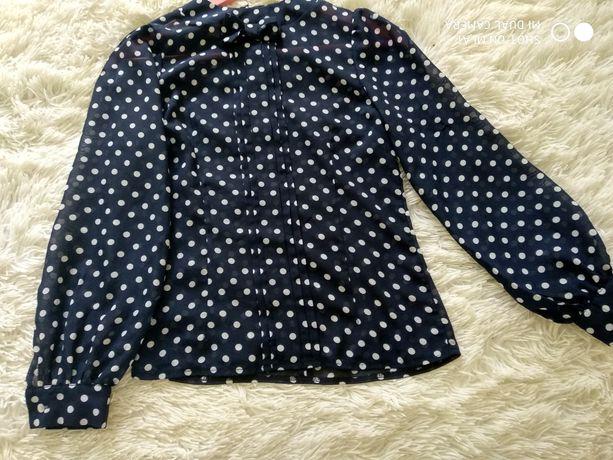 Продам блузку для школьницы