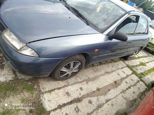 Mitsubishi Carisma drzwi prawy tył