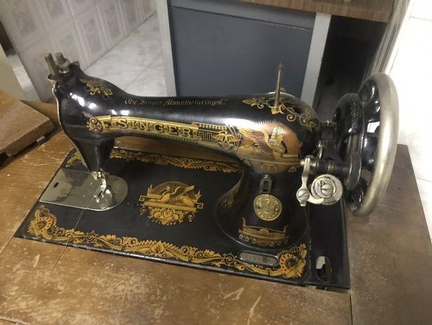 Maquina costura singer edição limitada c/ mesa