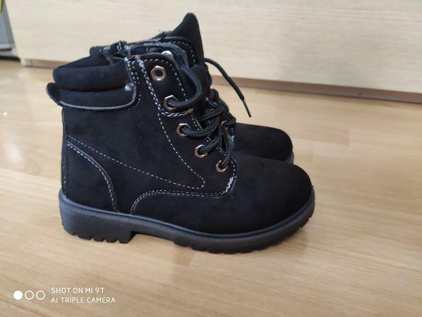 Nowe buty dziewczęce 30
