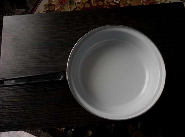 Сковорода.эмалированная