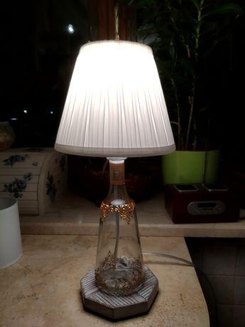 Lampka nocna z ręcznie malowanej butelki