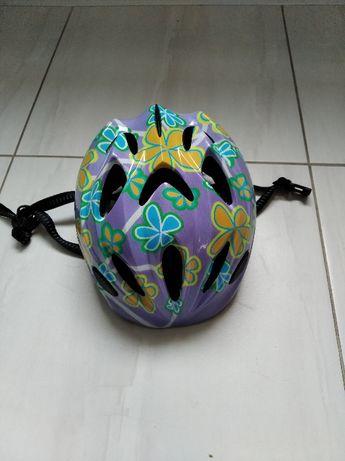 Kolorowy kask na rower dla dziewczynki