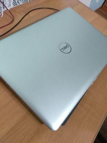 Laptop DELL Insipiron 17