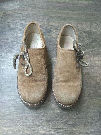 Замшевые ботинки на девочку