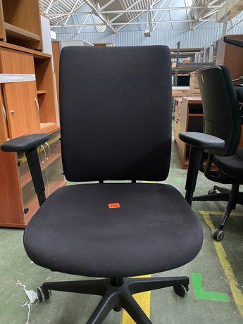 Fotele na kółkach do firm