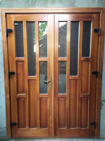 Двері вхідні дереав'яні
