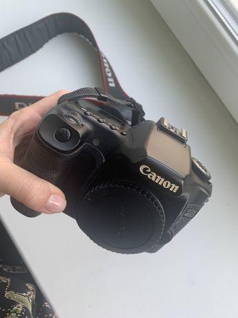 Продам фотоаппарат Canon 40d