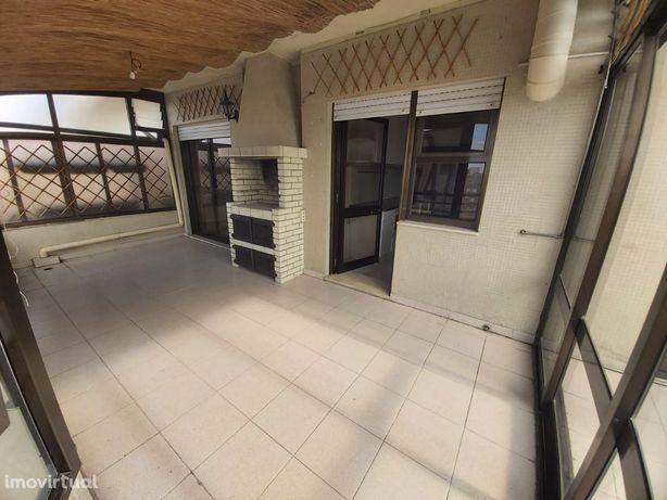 Fantástico Apartamento T2+1 Recuado próximo à Rua D. Afonso Henriques