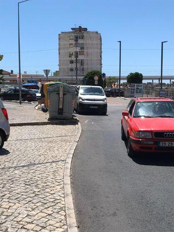 Parqueamento Queluz: Arrecadação ou Aluguer de lugar