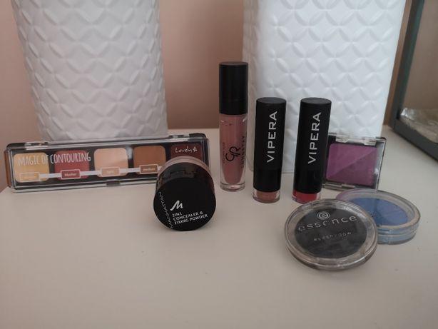 Kosmetyki szminka cienie puder bronzer
