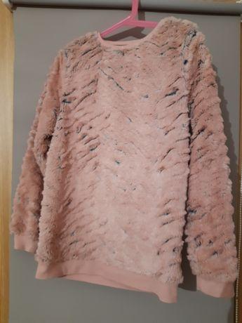 Sweter   dla dziewczyny.