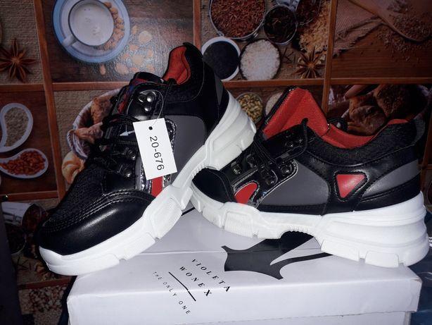 Новые кроссовки,  размер 37