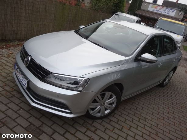 Volkswagen Jetta 2.0TDI Pełen Serwis ASO 2XPDC SalonPL 1WŁ FV23%