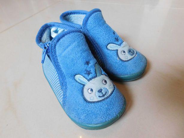 Kapcie, buty, buciki dla chłopca roz. 20