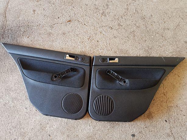 Tylne boczki materiałowe VW GOLF IV 4 HB 4 drzwi