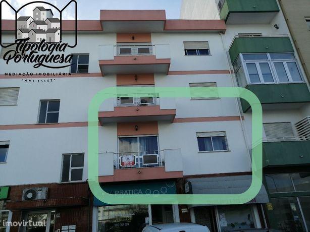 Apartamento T3 Com Sótão De 18m2
