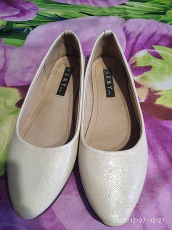 Туфли женские или на подростка