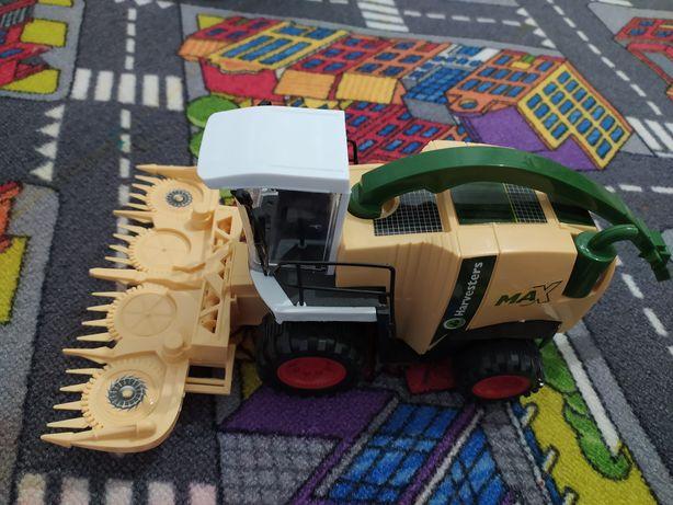 Трактор игрушка
