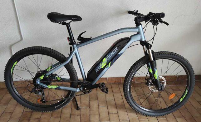 Bicicleta Elétrica Rockrider E-ST 100 em estado novo