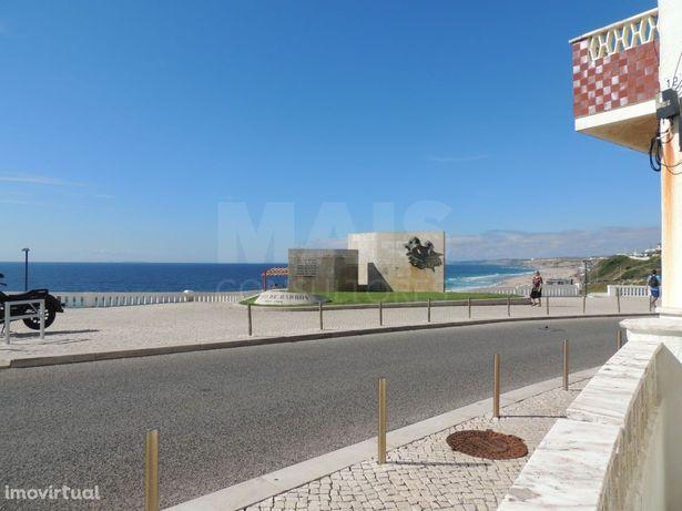 T4 de origem Santa Cruz - Frente à Praia